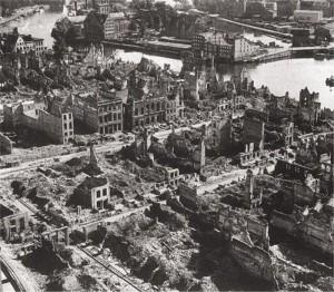 Разрушенный Гданськ во время Второй мировой войны