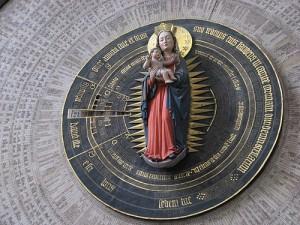 костел Девы Марии, часы